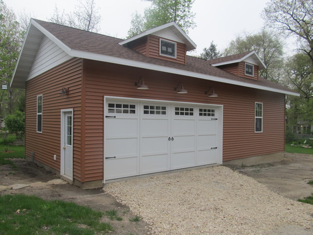 Traditional Garage In Cedar Falls White Garage Door