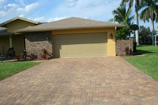 Mid Century Modern Driveway In Cape Coral Mid Century