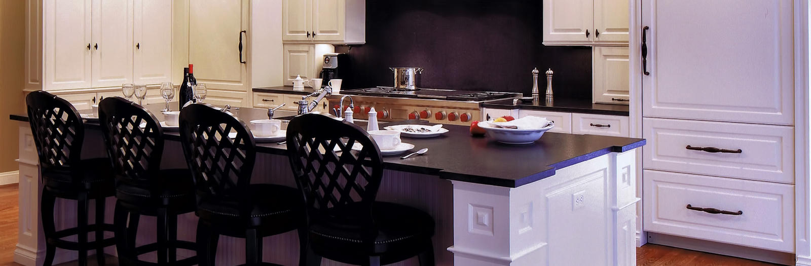 Transitional Kitchen with island with barstool seating