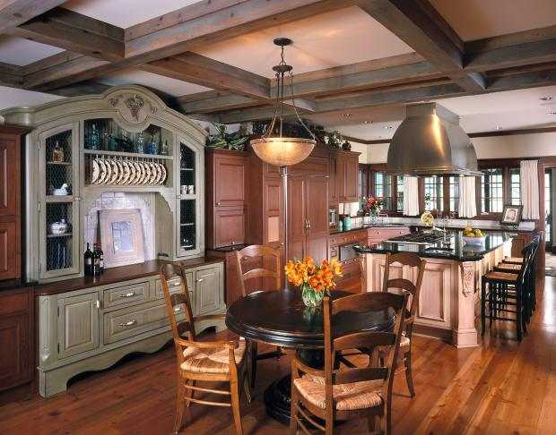 Traditional Kitchen In Minneapolis Old World Casement