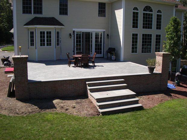 Colonial Deck In Exeter White Trim Bay Window By Set