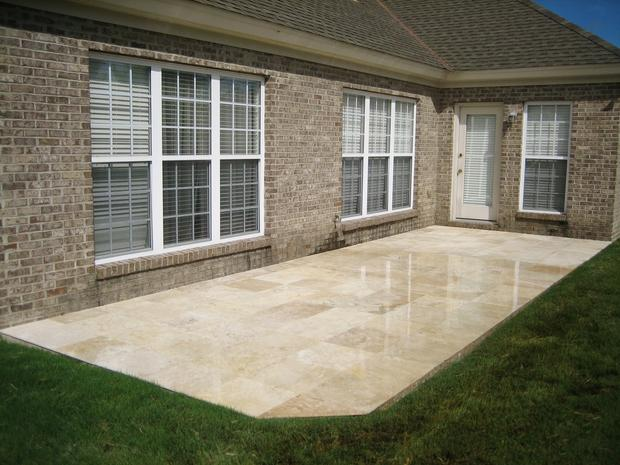 Traditional patio in prattville white window trim grass for Custom home designs prattville