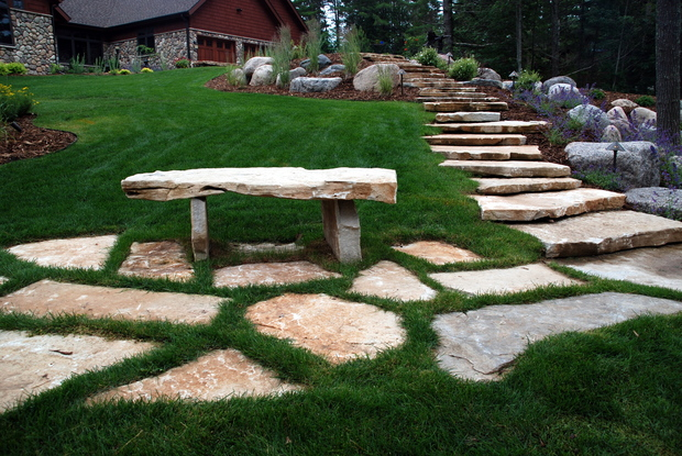 Rustic landscape in greenville lawn landscape boulders for Landscaping rocks greenville sc
