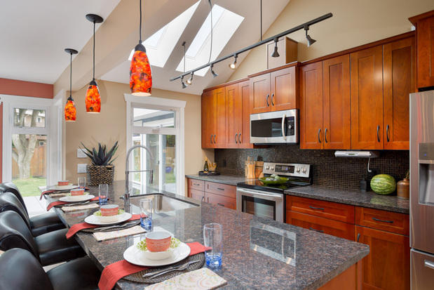 Traditional Kitchen In Hamilton Pendent Lights Granite Counter Top By Alair Homes Hamilton