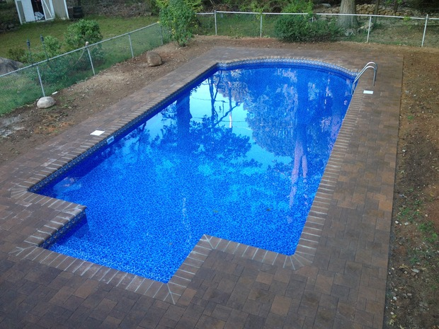 Garden pool in west orange lawn chain link fence by for Garden pool west allis