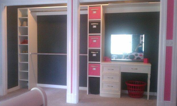 Modern Closet With Clothes Storage Boxes