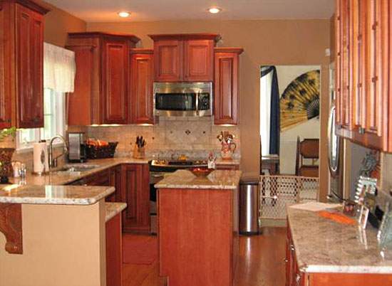 Traditional Kitchen In Fort Lauderdale Granite Countertop Small Kitchen Is