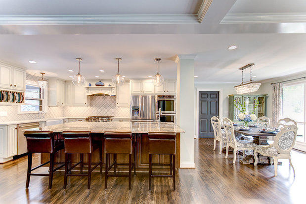 Contemporary Kitchen In Pelham Gas Cooktop And Oven Crystal Pendant Light By Counter