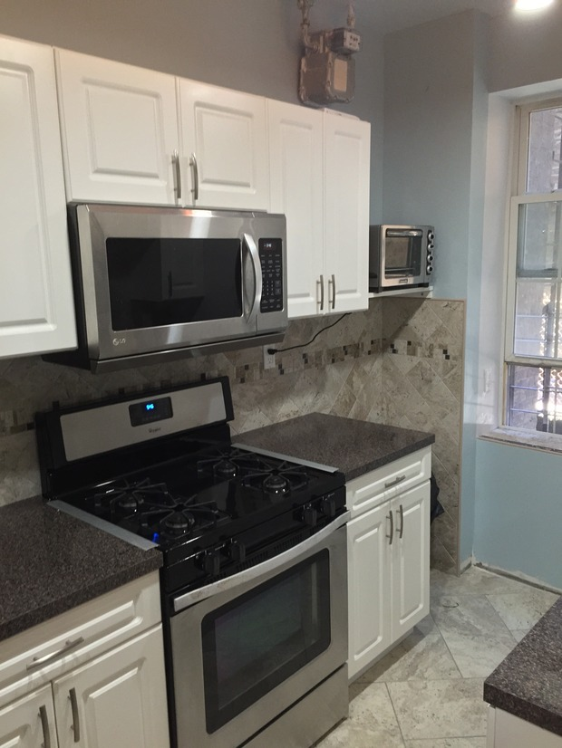 Transitional Kitchen In Bronx Acrylic Panels Gas Cooktop And Oven By  Nilsson Son 39 S Kitchen · Tarallo Kitchen And Bath ...