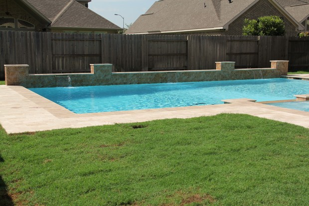 Casual Living Pools : Casual / Comfortable Pool in Missouri City - paver patio ...