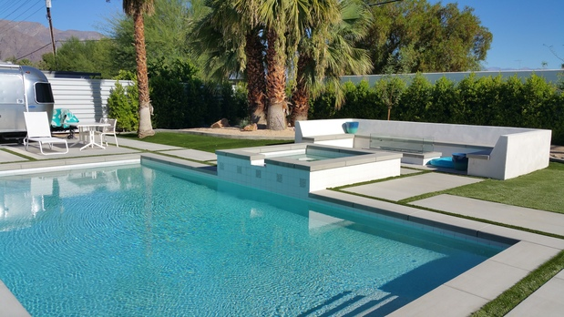 Mid Century Modern Pool In Cathedral City Spa Overflow