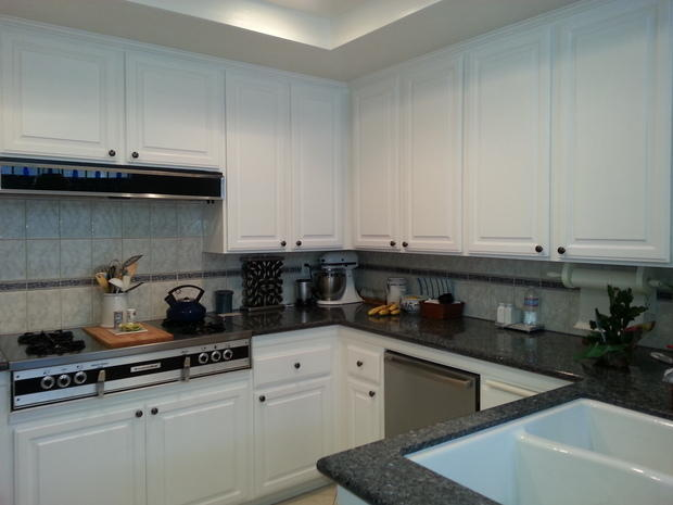 Contemporary Kitchen In Costa Mesa Under Mount Sink White Cabinets By Above Beyond