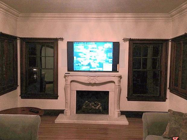 Vintage Living Room in Jenks - plain white crown molding, marble
