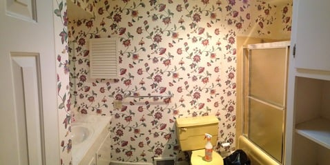 Vintage Bathroom with floral pattern wallpaper