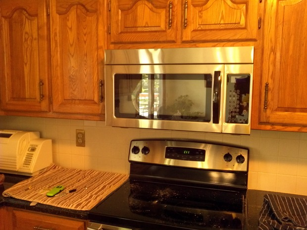 Transitional Kitchen In Overland Park Oak Cabinets Glass Top Stove By Steve 39 S Handyman Service
