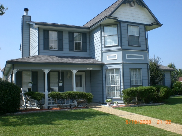 Victorian Home Exterior In Ocean Springs Rocking Chair