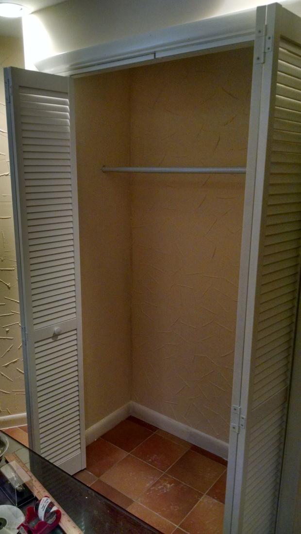 Southwestern closet in harrington park hanging storage for Southwestern flooring