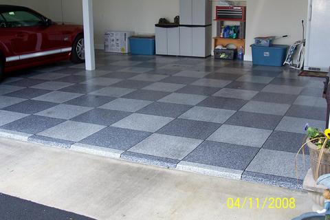 Eclectic Garage with checkerboard pattern