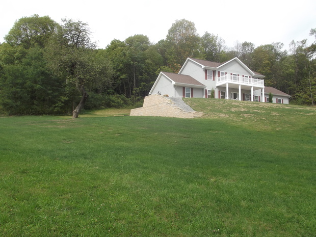 Traditional landscape in harding wooded lot steeply for 7 kitchen lane harding pa