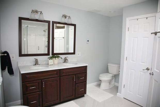Transitional bathroom in alexandria marble backsplash for Bathroom vanities alexandria