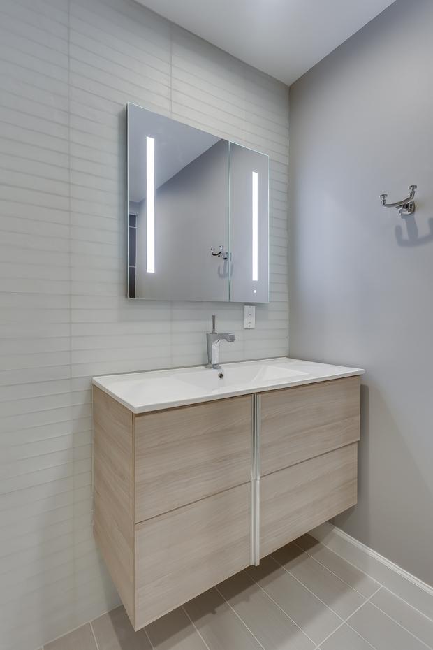 Modern Bathroom In Ashburn White Ceiling Tile Floor