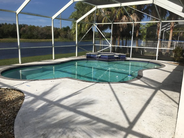 Contemporary pool in fort lauderdale glass pool for Pool design fort lauderdale