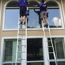 Window genie of west austin austin tx 78738 homeadvisor for Window washing austin