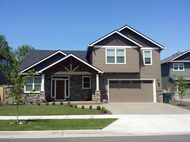 Traditional Home Exterior In Portland Grass Gray Vinyl Siding By Malle Painting Llc
