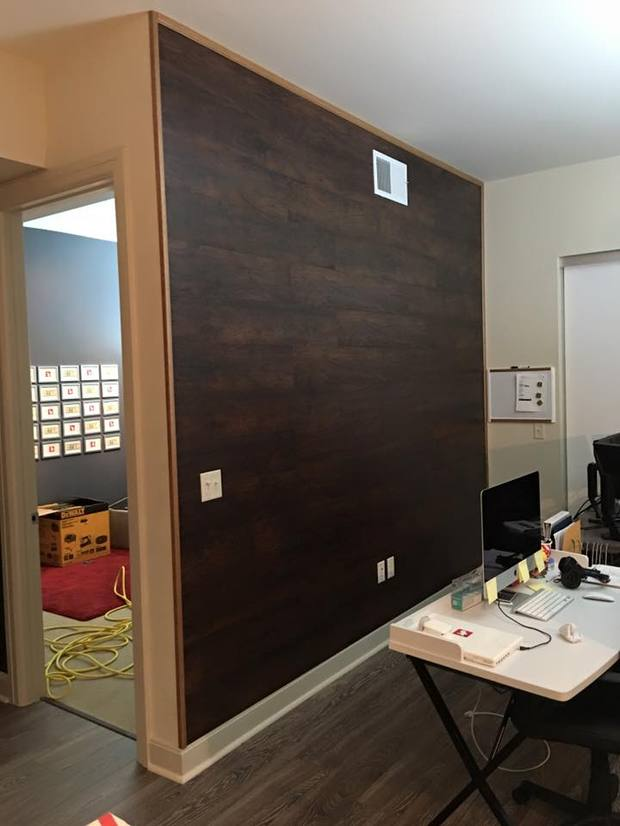 Modern home office in magnolia wood plank look accent for Home office accent wall