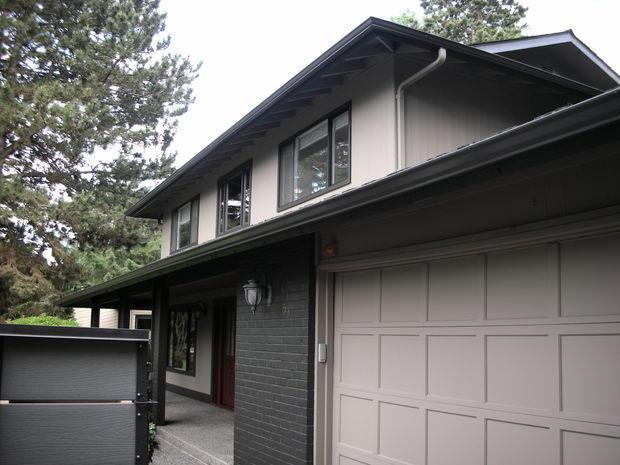 Mid-Century Modern Home Exterior in Bellevue - exposed ...