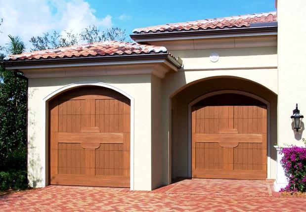 garage in cedar park exterior lighting stone paver driveway by cedar park overhead doors. Black Bedroom Furniture Sets. Home Design Ideas