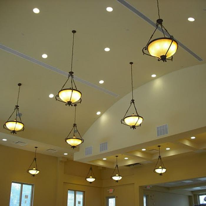 CFL Bulbs in Ceiling Lamps to Help Keep Rooms Cool